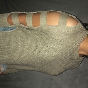 A long sleeved knitted shirt